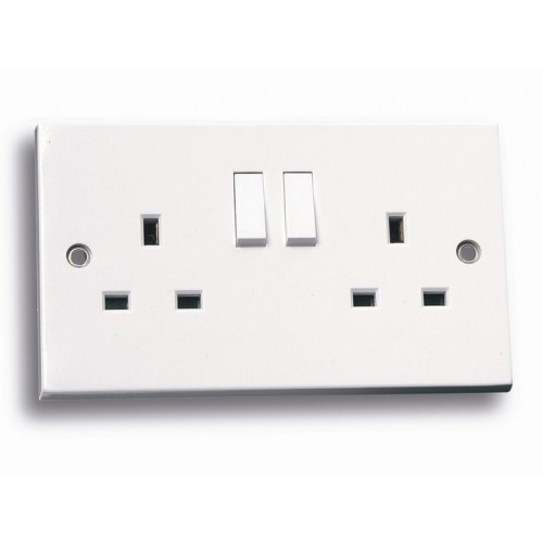 Standard white 2 gang switched socket